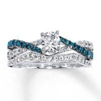 1 Carat Luxurious Round White Diamond and Blue Sapphire ...