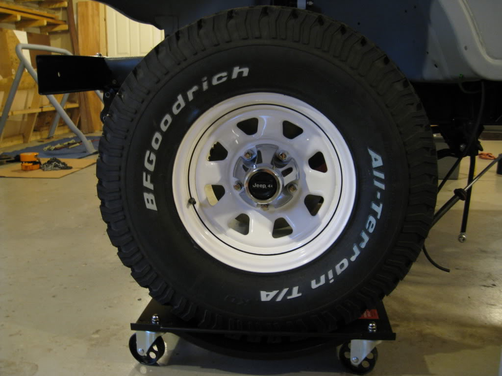 hight resolution of factory white cj wheel