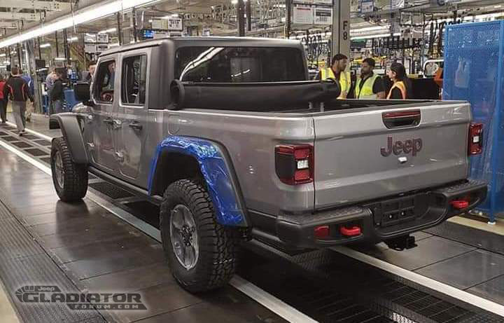 First Production 2020 Jeep Gladiator Rolls Off The Line  2020 Jeep Gladiator JT News and