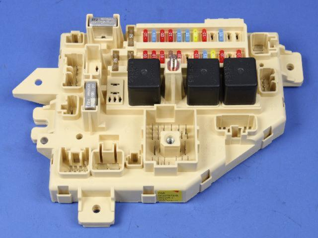 Junction Block Wiring Harness Instrument Panel Fuse Box Factory Oem