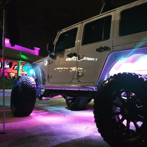 jeepwrangleroutpost-jeep-wrangler-fun-times-oo-200