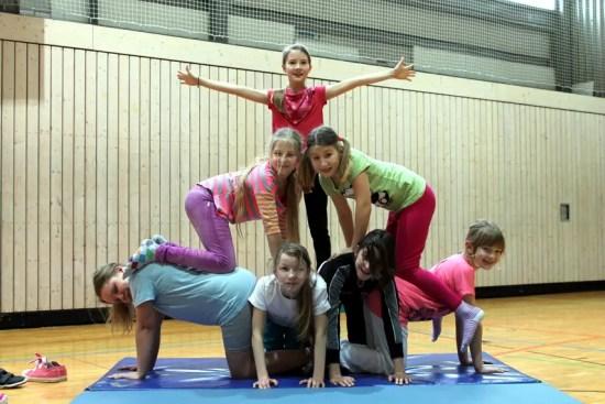 Pyramiden im Sportunterricht an der Jeetzeschule 1