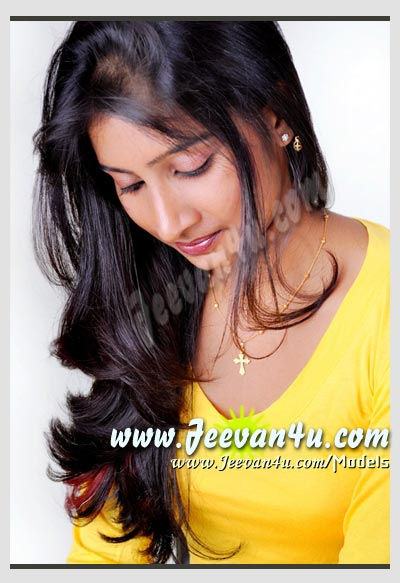 Happy Holiday Quotes Wallpapers Bangalore Modelling Pics Anitha Model Girl Photographs India