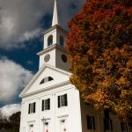 white colonial meetinghouse