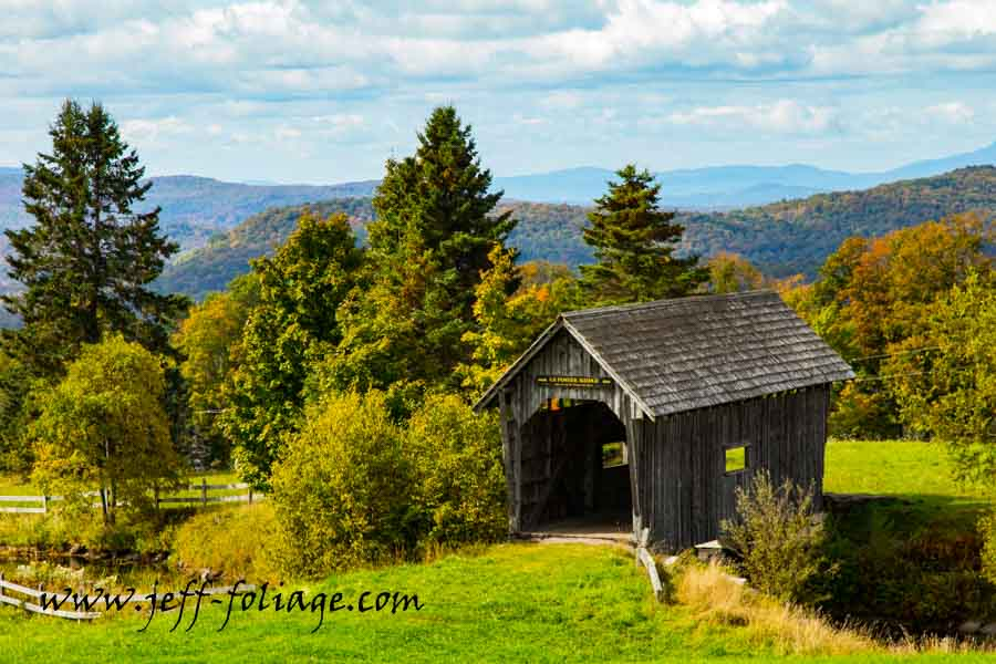 New England fall foliage of A.M. Foster Covered Bridge