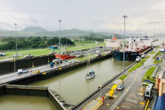 Jeffrey Donenfeld Exploring Panama - 6
