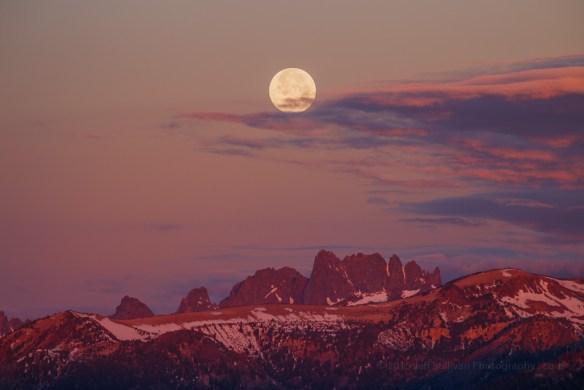 Strawberry moon, astrophotography planned using The Photographers Ephemeris (TPE)