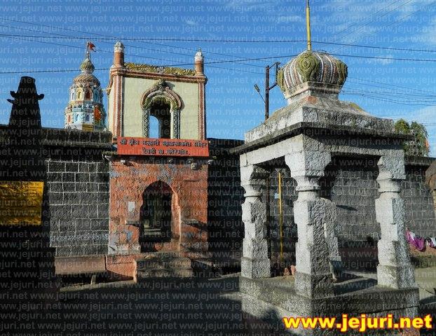 revadi temple entarance