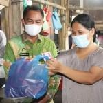 Bupati Sergai Berbelanja di Pasar Rakyat
