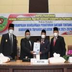 Bupati Tapsel Sampaikan Ranperda RPJMD 2021-2026