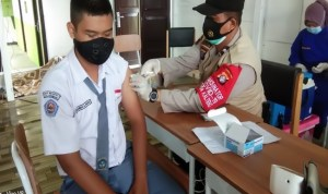 Polres Seruyan Tinjau Vaksinasi di SMA Negeri 1 Kuala Pembuang