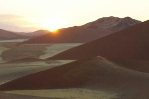 Lever de soleil à Sossusvlei, Namibie