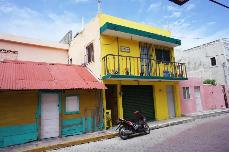 Maison acidulée à Isla Mujeres, Mexique