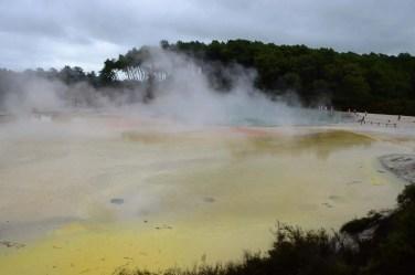 Lac de souffre à Rotorua Nouvelle Zélande