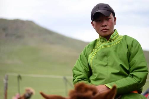 Portrait d'un nomade mongol, participant à la course de chevaux