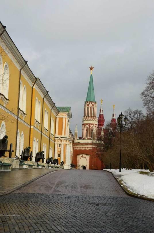 Route à l'intérieur du Kremlin