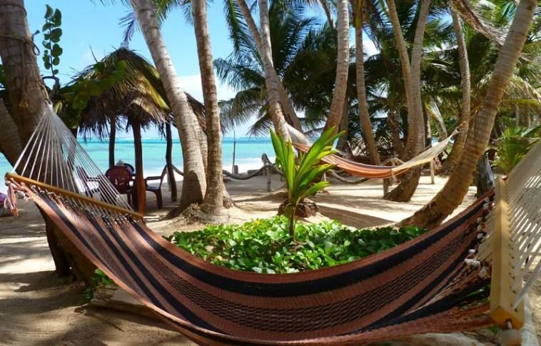 little-corn-island-nicaragua-beach-bungalow-eco-lodge-resort-hotel-hammocks-3