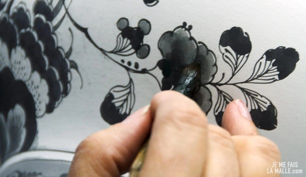 Josefine au travail dans son atelier de Delft