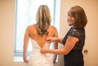 Bride Danielle getting ready at Strathmore