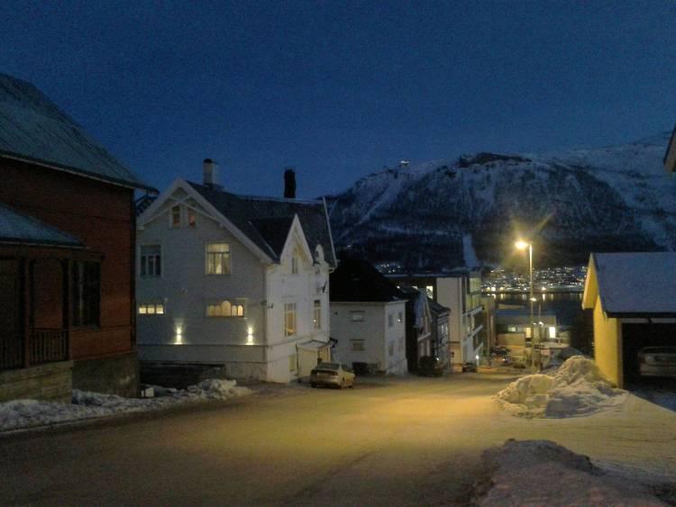 Carnet voyage Norvège : Nuit dans les rues de Tromso
