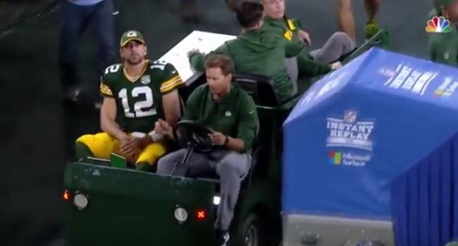 Aaron_Rodgers_knee_injury_2018