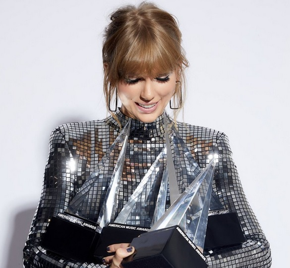 Taylor Swift AMAs winner 2018