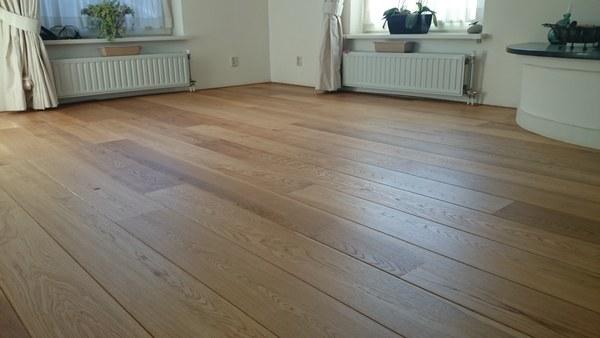 Eiken houten vloer schuren  olin  JenG parket
