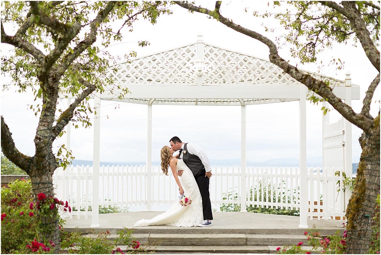 Thomas_Wedding_Weyerhaesure_Estate_Tacoma_Washington_6