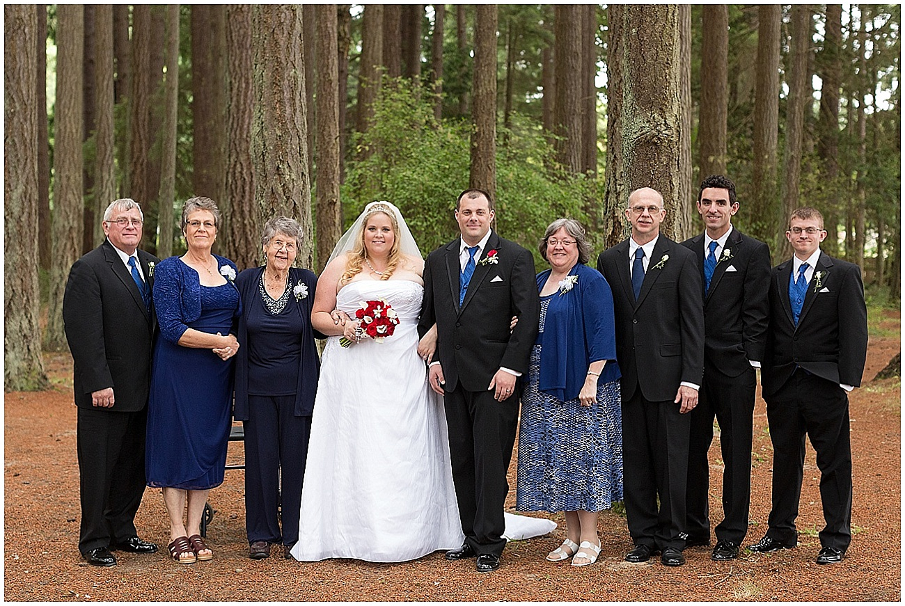 Hux_KitsapMemorialPark_Wedding_0028