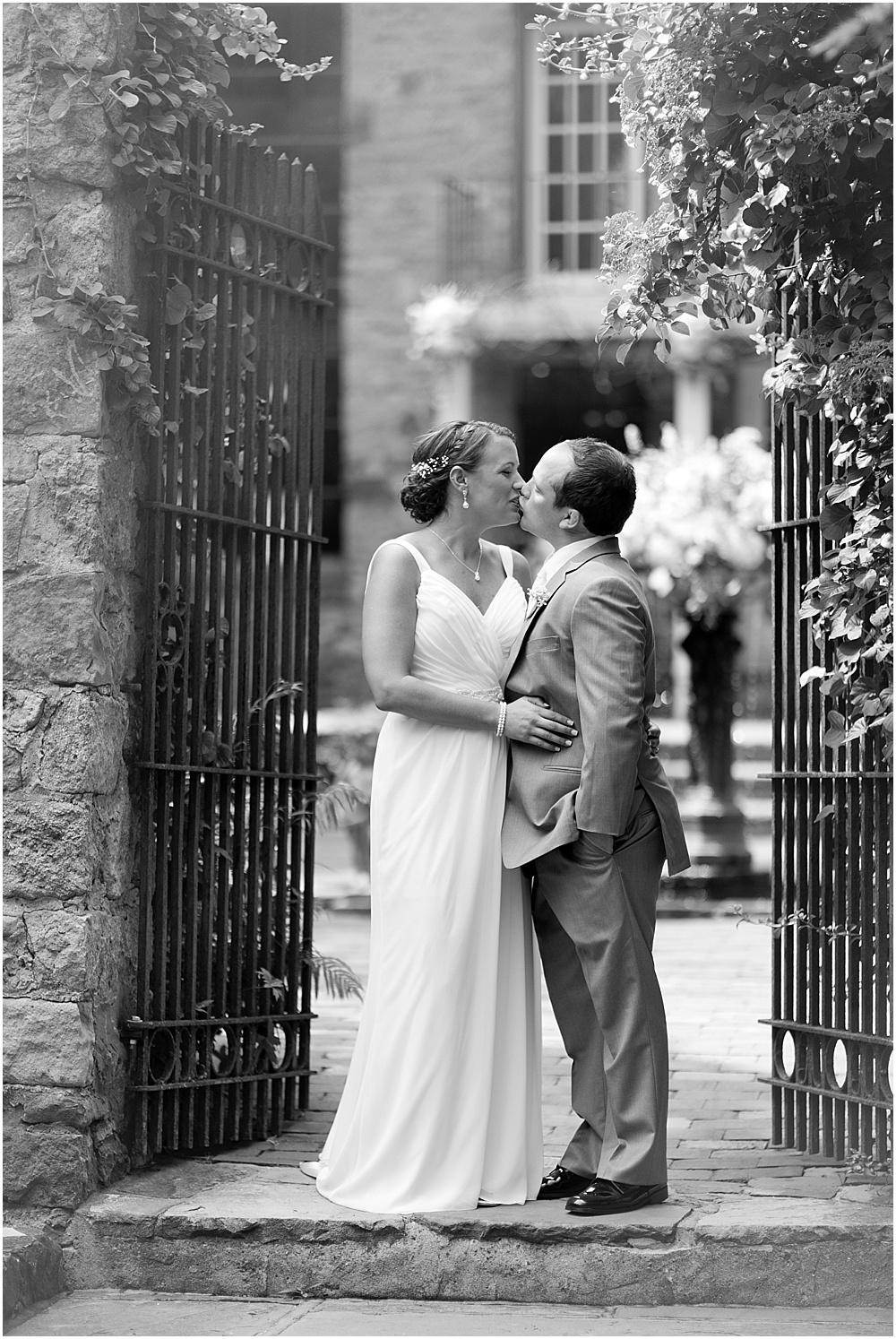 Hollyhedge_Estate_Pennsylvania_Wedding_Photographer_0037