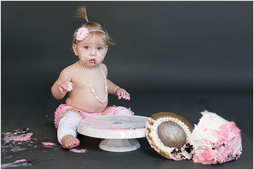 Maryland_family_Photographer_Aubree_Cake_Smash_first_Birthday_0034