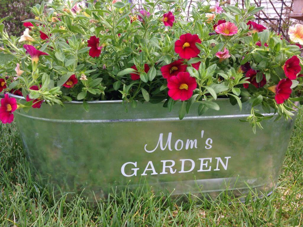 Mom's Garden Tub from Personal Creations