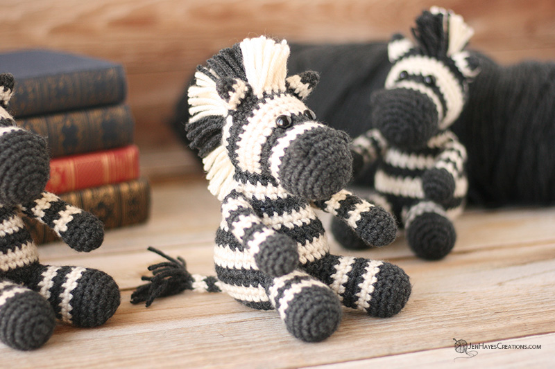 Amigurumi Zebra Crochet Free Patterns • DIY How To | 533x800
