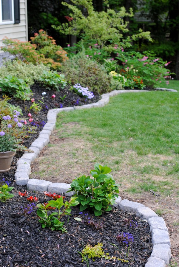 Garden Borders and Edging Ideas Rocks