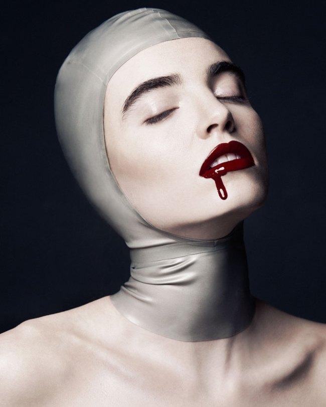 Red Lipstick bleeding