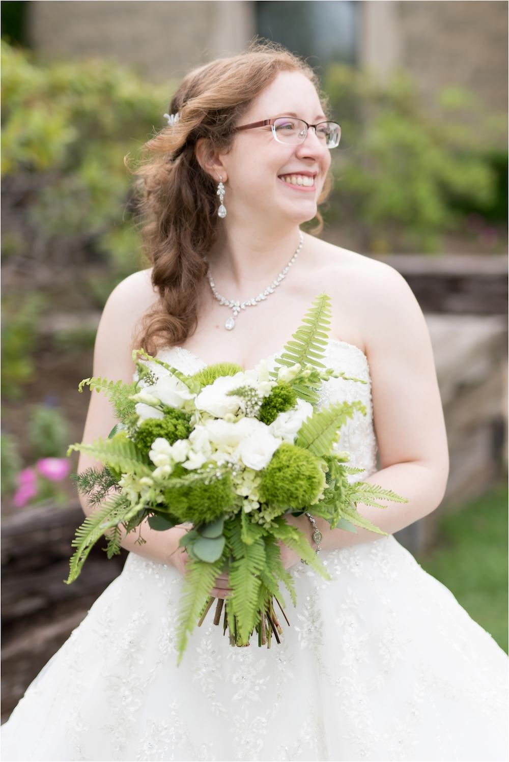 downtown-detroit-classic-elegant-wedding-photo-100.jpg