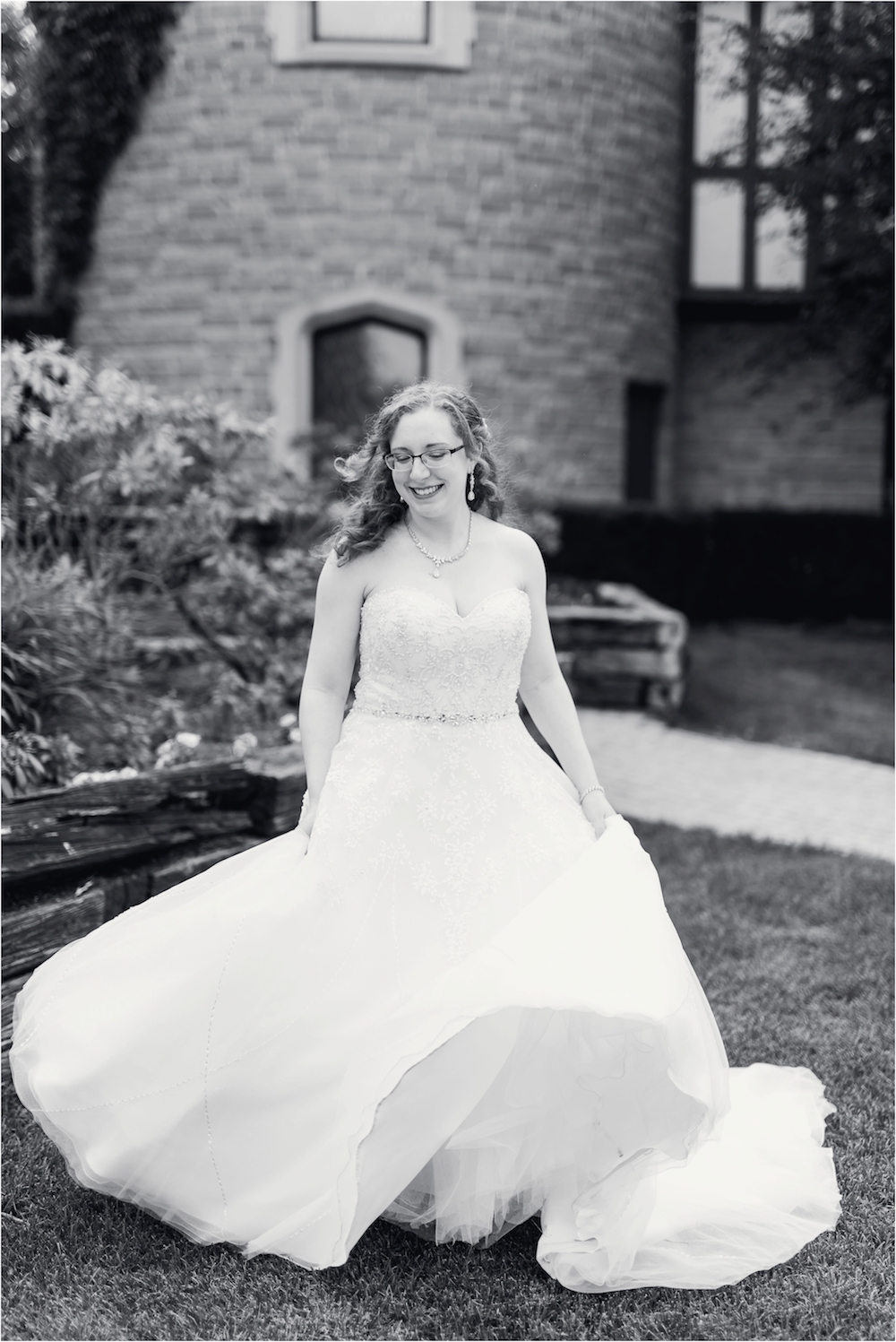 downtown-detroit-classic-elegant-wedding-photo-103.jpg