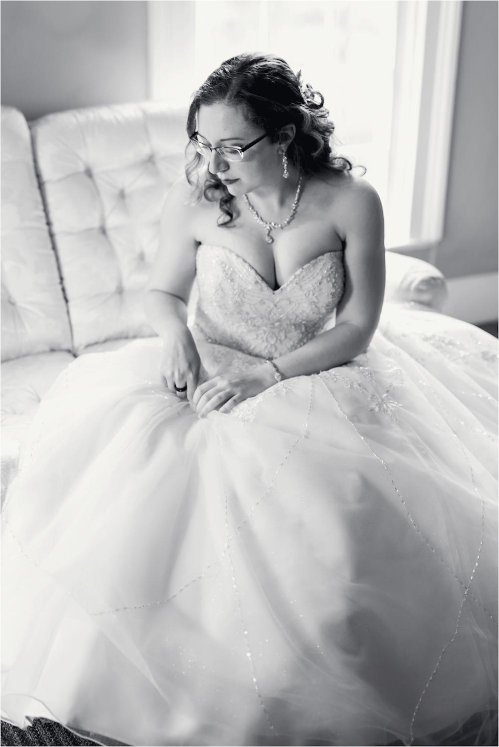 downtown-detroit-classic-elegant-wedding-photo-30.jpg