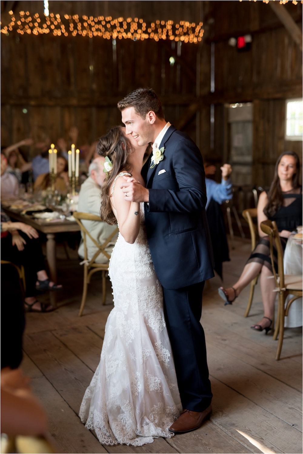 royal-vale-fenton-michigan-elegant-modern-white-barn-wedding-photo-285.jpg