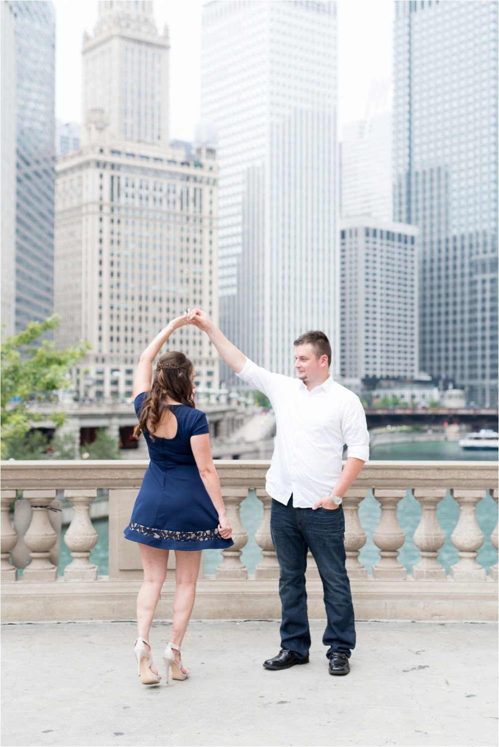chicago-ilinois-michigna-ave-city-downtown-engagement-photo-15.jpg