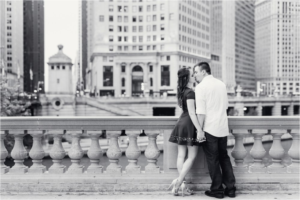 chicago-ilinois-michigna-ave-city-downtown-engagement-photo-26.jpg