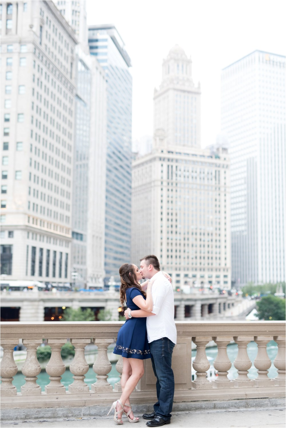chicago-ilinois-michigna-ave-city-downtown-engagement-photo-3.jpg