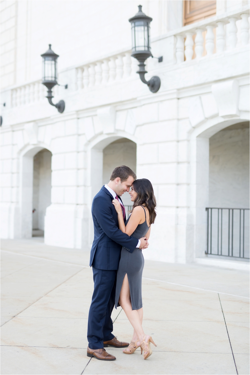 detroit-institute-of-arts-marble-elegant-gold-wedding-engagement-photo-4.jpg