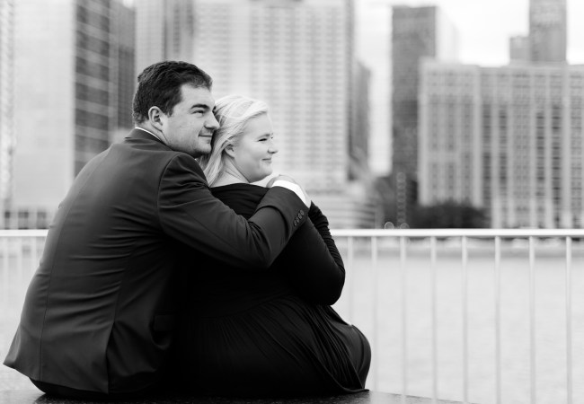 Chicago Skyline Engagement Photos in the Fall | Mary & Matt