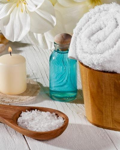 Tips For Beating Holiday Stress   Benefits of a Massage