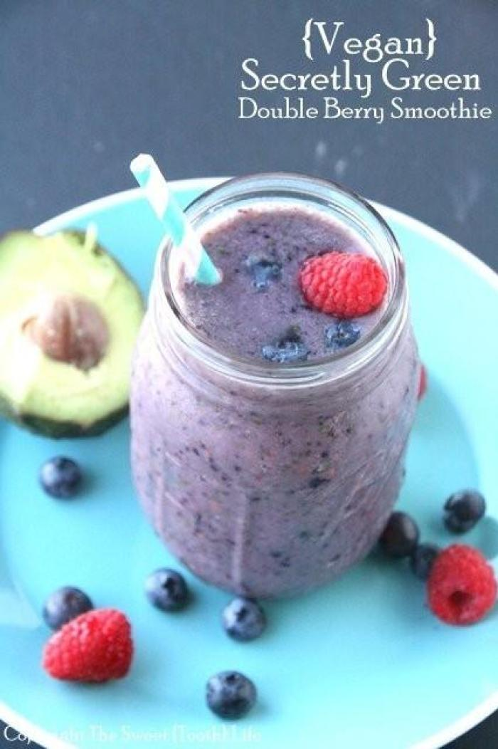 {Vegan} Secretly Green Double Berry Smoothie