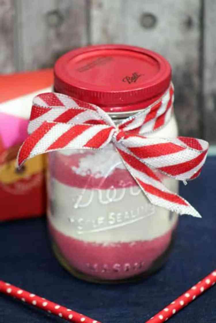 strawberry cocoa in a mason jr