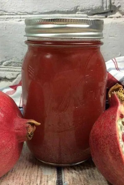 How To Make Moonshine | Mason Jar Pomegranate Moonshine Recipe