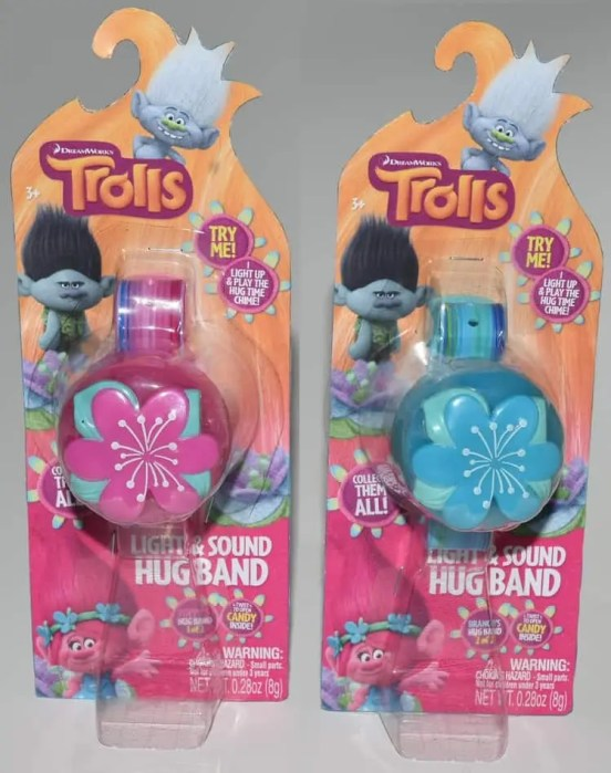 CandyRific Trolls Hug Band with new blister packaging