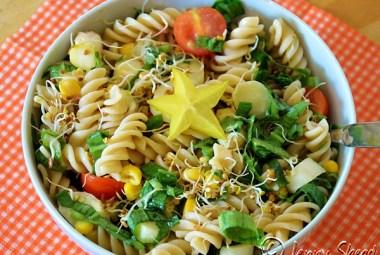 Frühlingssalat mit Reisspirelli